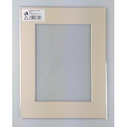 Formátovaná pasparta A8 21x30 (15x20)