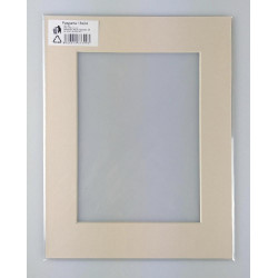 Formátovaná pasparta A7 20x30 (15x20)